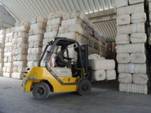 Depósito de fardos de algodón en China