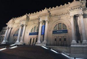 Frente del majestuoso Metropolitan Museum of Art de la ciudad de Nueva York